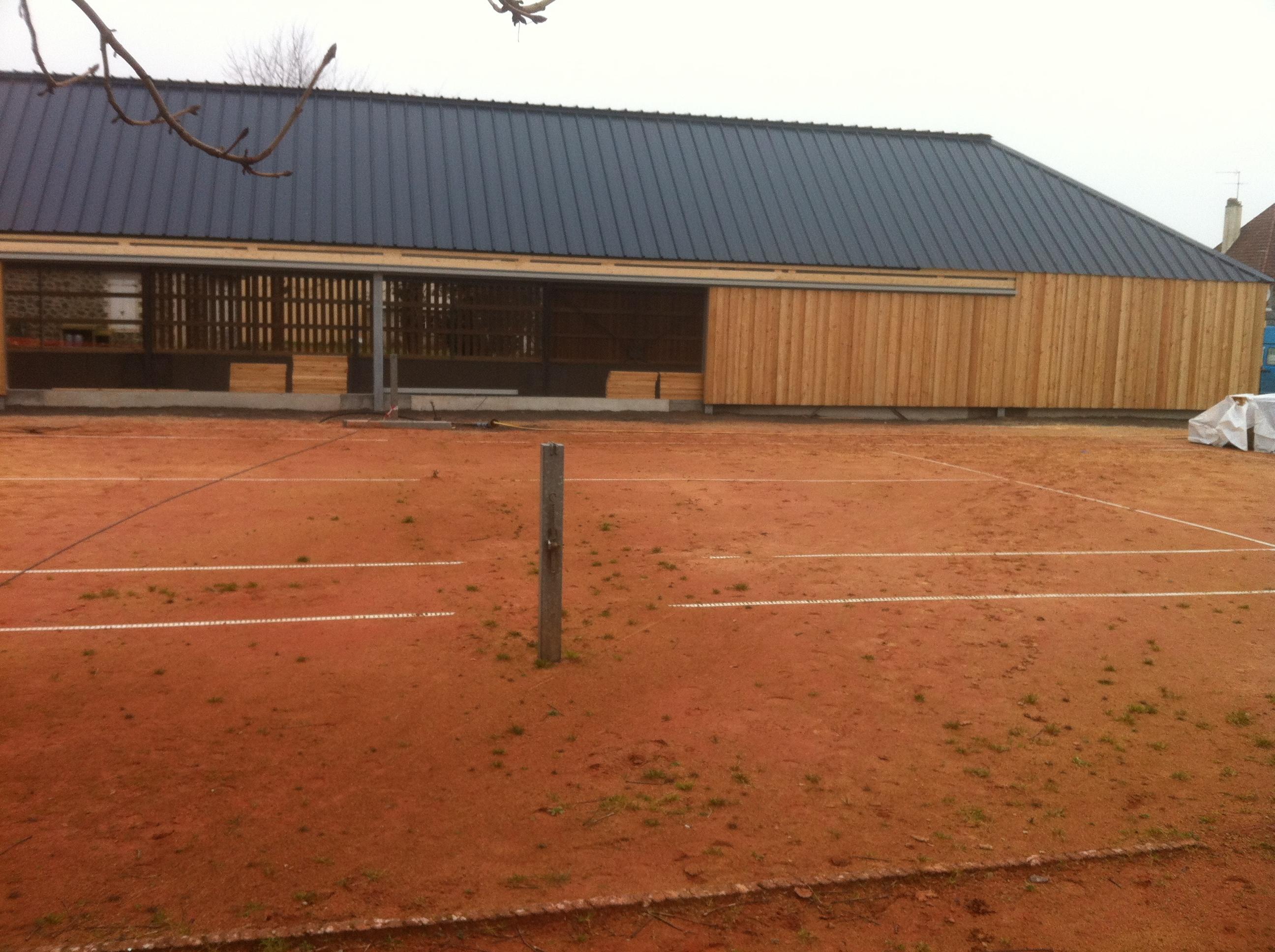 construction du court couvert tennis club de coutainville. Black Bedroom Furniture Sets. Home Design Ideas