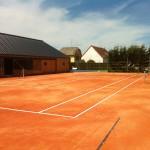 Les courts reprennent des couleurs
